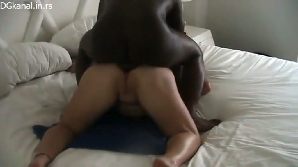 BBW Wife Takes Interracial Anal Creampie In Front Of Hubby